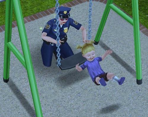 制服警官シムに押されてブランコからお尻がずれる幼児シム(The Sims フリープレイ)