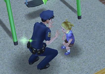 手遊びする制服警官シムと幼児シム(The Sims フリープレイ)