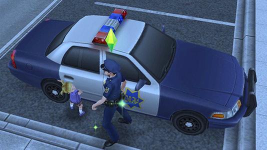 パトカーを見せる制服警官シムと喜ぶ幼児シム(The Sims フリープレイ)