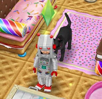 ロボットの着ぐるみを着た幼児シムと、それをくんくん嗅ぐ猫(The Sims フリープレイ)