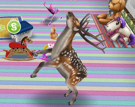 部屋の中でシムオリオンを見つけて白目をむくブチトナカイ(The Sims フリープレイ)
