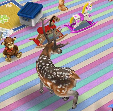馬のおもちゃの近くをうろうろするブチトナカイ(The Sims フリープレイ)