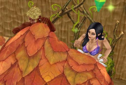 ガーデンベッドで、嬉しそうにいそいそ枯葉布団にもぐろうとする男女シム(The Sims フリープレイ)