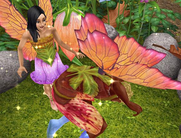 魔法の羽で、妖精姿になってはしゃぐ男女シム(The Sims フリープレイ)