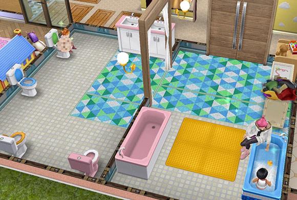 保育所にある子ども用共同バスルームでトイレする幼児シムと、お風呂に入る幼児シム(The Sims フリープレイ)