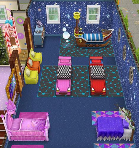 宇宙の壁、青い星柄のカーペット、青い円型模様のラグ、ピンクのラバーバスマット、三角形模様のラグ、レースカーベッド、海賊船ベッド、魔法の夢のベッド、お姫様のピンクのベッド、ビーンバッグ、白い丸窓、明るい農家風の窓などをレイアウトした、幼児のお昼寝部屋(The Sims フリープレイ)