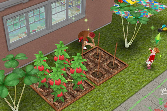 巨大クローバーに挟まれた菜園パッチで作業する大人シムと、それを観察する幼児シム(The Sims フリープレイ)