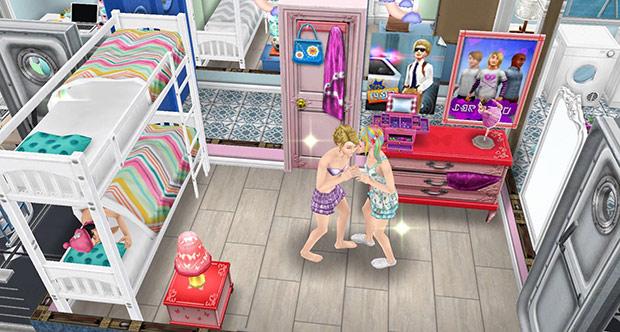 褐色の四角タイル、アートな二段ベッド、赤いベッドテーブル、蝶のテーブルランプ、ピンクのティーンのタンス、ティーン男子のバンドポスター、ティーンのポスター、ミラー・デュ・リフレ、バッグ好きのティーンのドア、船のドアをレイアウトしたティーン女子の部屋(The Sims フリープレイ)