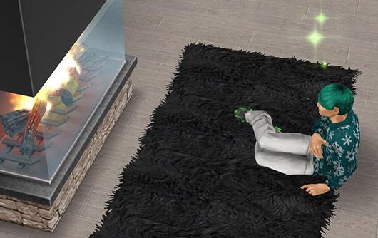 暖炉前のシャグにマーメイド座りし、パートナーを待つシム(The Sims フリープレイ)