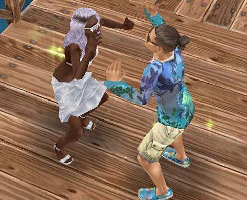 公園の桟橋で盛り上がるシムたち(The Sims フリープレイ)