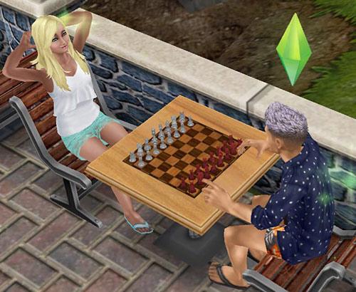 公園でチェスを楽しむシムたち(The Sims フリープレイ)
