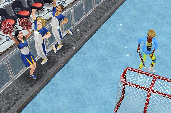ホッケーネットでショットに励むシムを、リンク脇から応援するシムたち(The Sims フリープレイ)