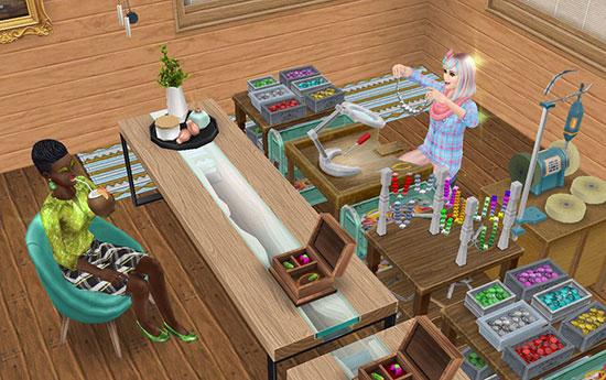 ジュエリー製品工作セットでアクセサリーを見せるアーティストシムと、トロピカルドリンクを飲むお客シム(The Sims フリープレイ)