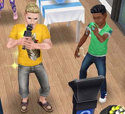 カラオケでバースデーソングを熱唱する大人シムと、ノリノリで踊るバースデーボーイ・ディラン君(The Sims フリープレイ)